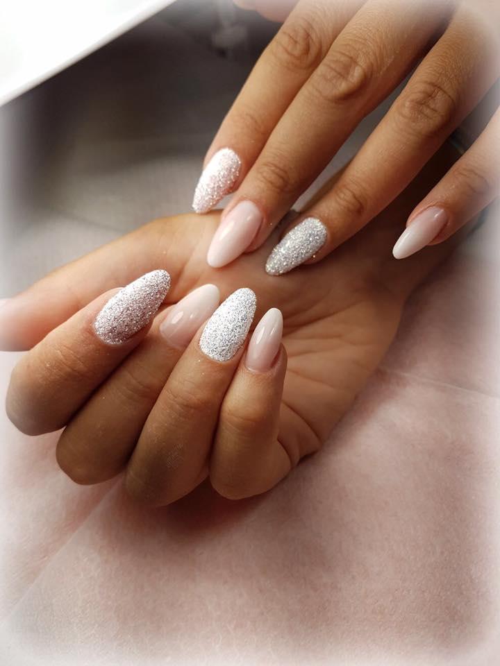 Conosciuto Unghie color carne: la nail art nude resta sempre la tendenza più chic ST25